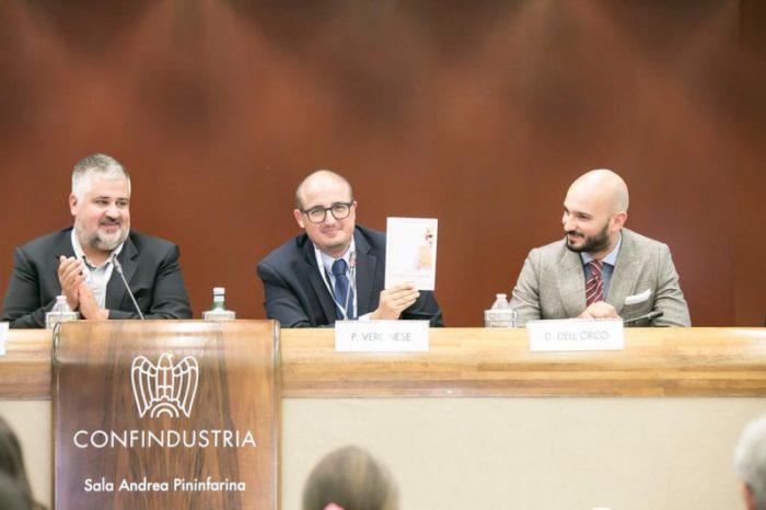 """In cento per la presentazione del libro """"Sicuro è più bello"""", di Paolo Veronese"""